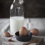 Ernst - Äggkopp, stengods - ljusgrå